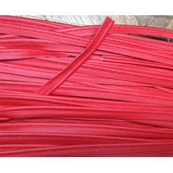 Passepoil en cuir rouge